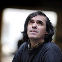 Recitind poezia lui Mircea Cărtărescu