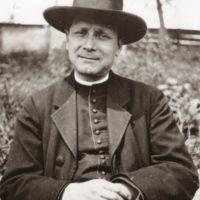 De vorbă cu episcopul Dr. Iuliu Hossu prezent la marea Unire